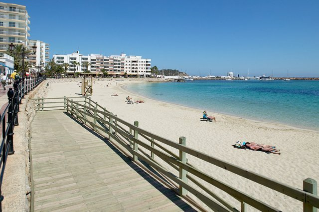 Playa de santa eul ria - Santa eularia des riu ...